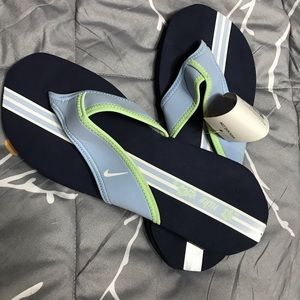 NWT Women's Nike Sandals